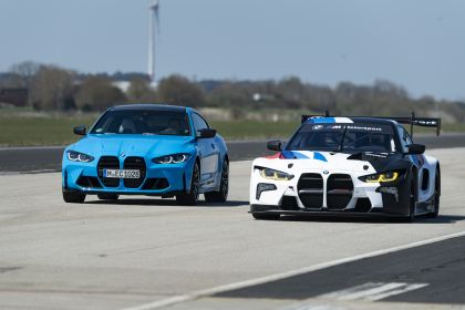 2022 BMW M4 ( G82 ) GT3 35