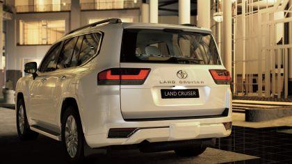 2022 Toyota Land Cruiser ( 300 Series ) 30