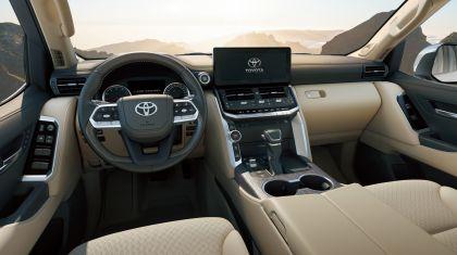 2022 Toyota Land Cruiser ( 300 Series ) 31
