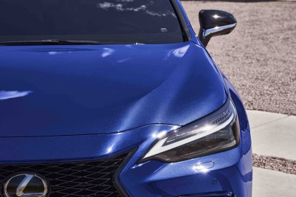 2022 Lexus NX 450h+ F Sport 32