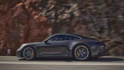 2021 Porsche 911 ( 992 ) GT3 with Touring package 5
