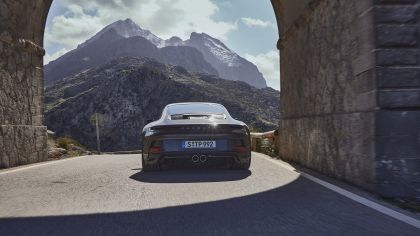 2021 Porsche 911 ( 992 ) GT3 with Touring package 12