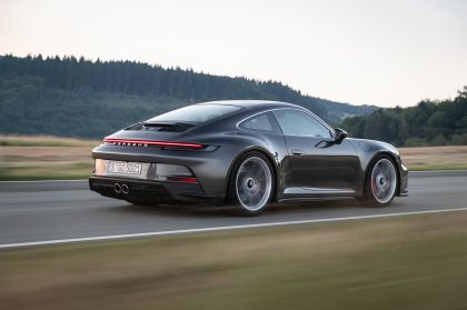 2021 Porsche 911 ( 992 ) GT3 with Touring package 27
