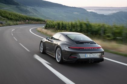 2021 Porsche 911 ( 992 ) GT3 with Touring package 33