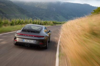 2021 Porsche 911 ( 992 ) GT3 with Touring package 38