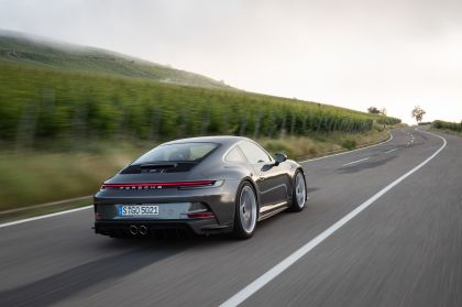 2021 Porsche 911 ( 992 ) GT3 with Touring package 39