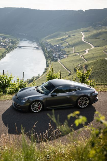 2021 Porsche 911 ( 992 ) GT3 with Touring package 41