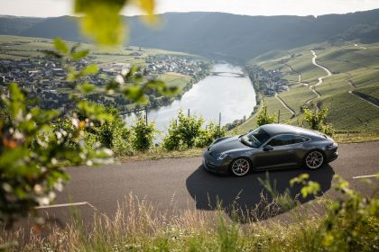 2021 Porsche 911 ( 992 ) GT3 with Touring package 42
