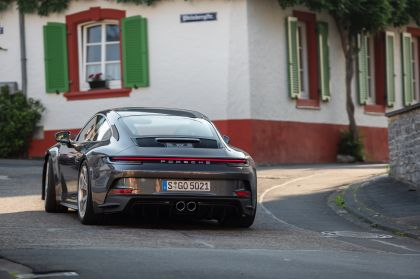 2021 Porsche 911 ( 992 ) GT3 with Touring package 44