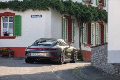 2021 Porsche 911 ( 992 ) GT3 with Touring package 45
