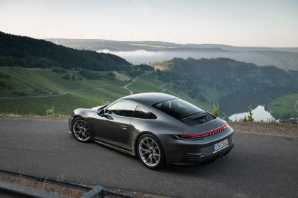 2021 Porsche 911 ( 992 ) GT3 with Touring package 56