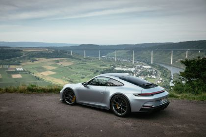 2021 Porsche 911 ( 992 ) GT3 with Touring package 74