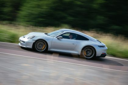 2021 Porsche 911 ( 992 ) GT3 with Touring package 81