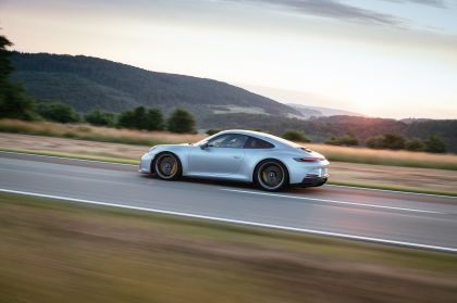 2021 Porsche 911 ( 992 ) GT3 with Touring package 94
