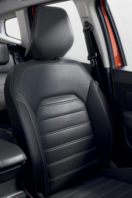 2022 Dacia Duster 35