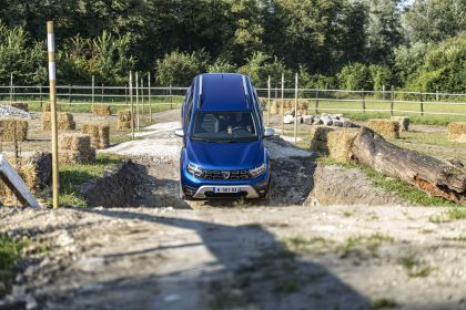 2022 Dacia Duster 182
