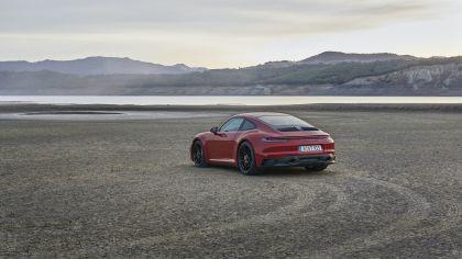 2022 Porsche 911 ( 992 ) Carrera GTS 2