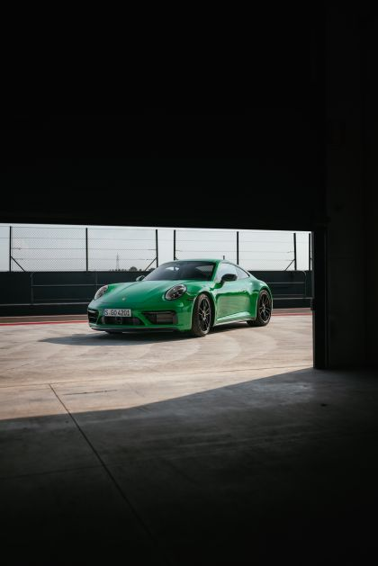 2022 Porsche 911 ( 992 ) Carrera GTS 85