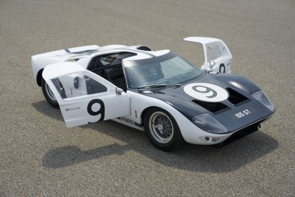 1964 Ford GT prototype 2