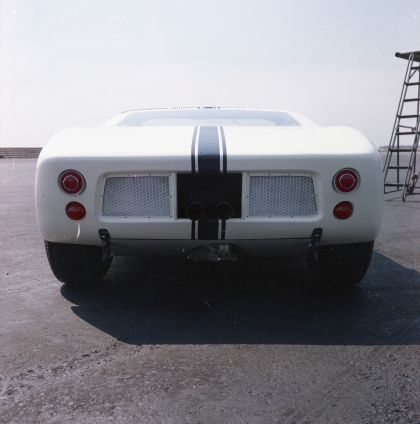 1964 Ford GT prototype 19