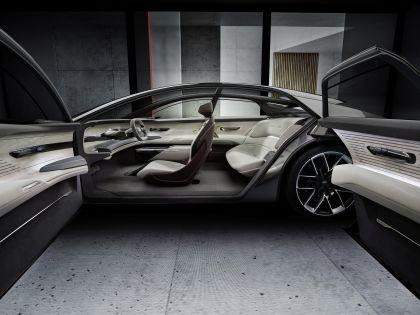 2021 Audi Grandsphere concept 22