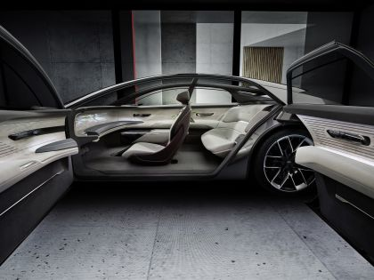 2021 Audi Grandsphere concept 23