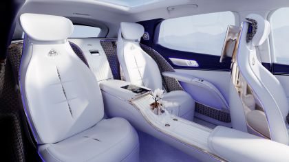 2021 Mercedes-Maybach EQS concept 14