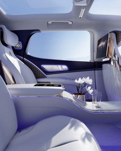 2021 Mercedes-Maybach EQS concept 23