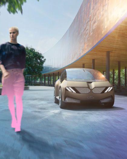 2021 BMW i Vision Circular 1