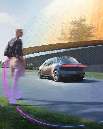 2021 BMW i Vision Circular 5