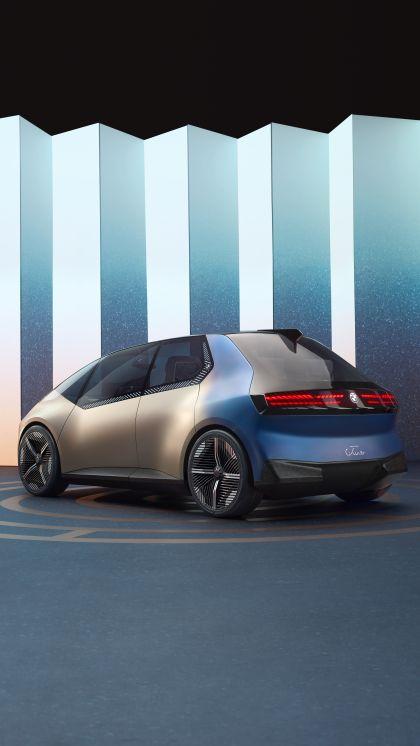 2021 BMW i Vision Circular 16