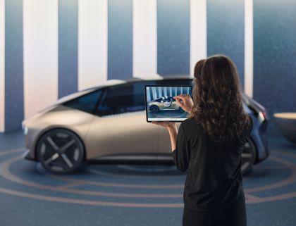 2021 BMW i Vision Circular 17