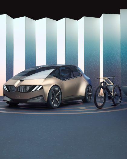 2021 BMW i Vision Circular 19