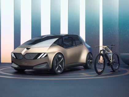 2021 BMW i Vision Circular 20