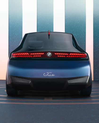 2021 BMW i Vision Circular 21