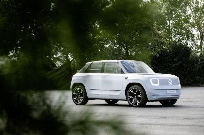 2021 Volkswagen ID. Life concept 42