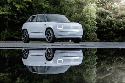 2021 Volkswagen ID. Life concept 44
