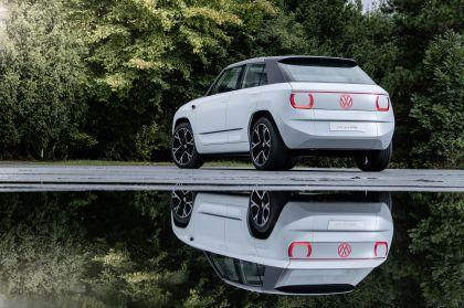 2021 Volkswagen ID. Life concept 45