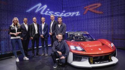 2021 Porsche Mission R concept 58