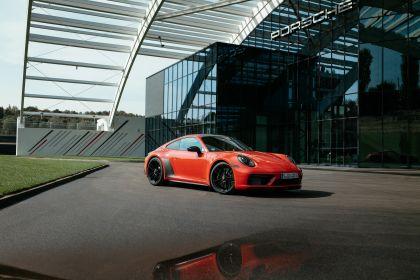 2022 Porsche 911 ( 992 ) Carrera 4 GTS 32