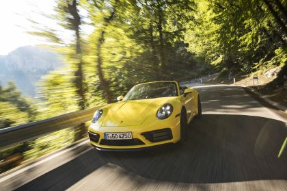 2022 Porsche 911 ( 992 ) Carrera GTS cabriolet 8