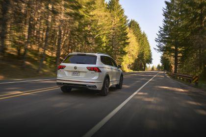 2022 Volkswagen Tiguan SEL R-Line - USA version 12