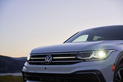 2022 Volkswagen Tiguan SEL R-Line - USA version 49