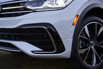 2022 Volkswagen Tiguan SEL R-Line - USA version 51