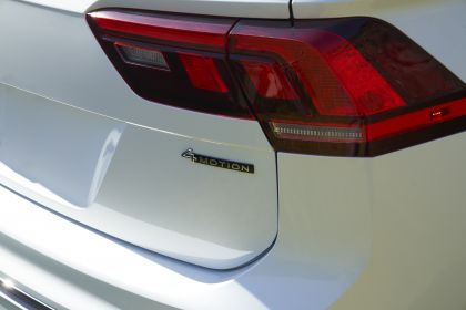 2022 Volkswagen Tiguan SEL R-Line - USA version 69