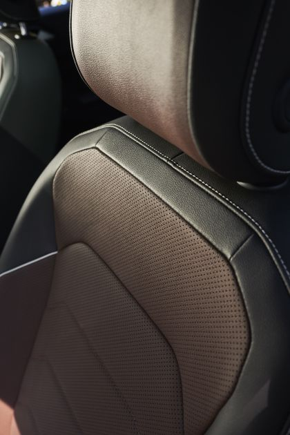 2022 Volkswagen Tiguan SEL R-Line - USA version 85