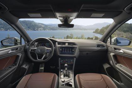 2022 Volkswagen Tiguan SEL R-Line - USA version 92