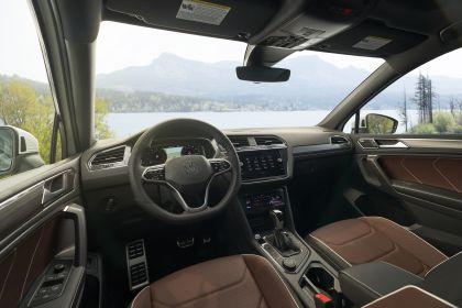 2022 Volkswagen Tiguan SEL R-Line - USA version 93