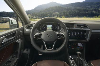 2022 Volkswagen Tiguan SEL R-Line - USA version 94