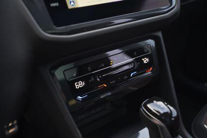 2022 Volkswagen Tiguan SEL R-Line - USA version 105